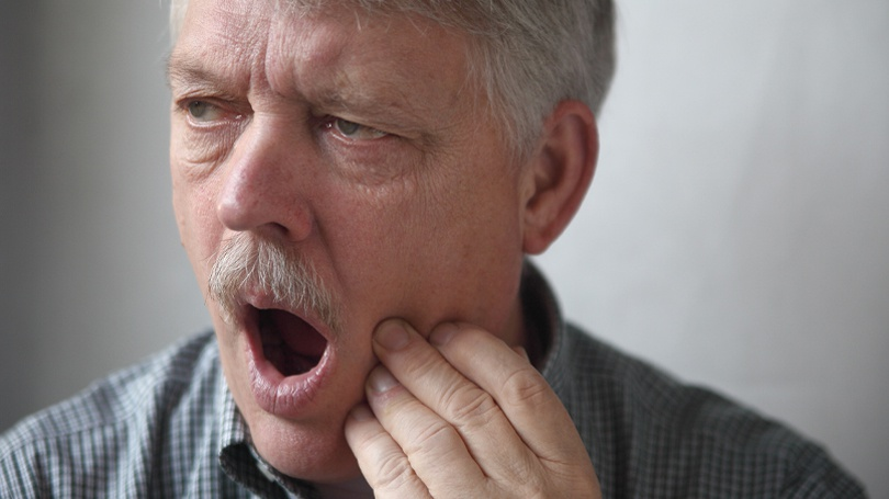 Discover the warning signs, including sinus issues, that you need to have a wisdom tooth extracted.