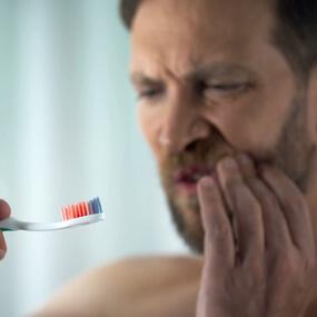 COVID-19 statistics reveal a link between gum disease and severe coronavirus symptoms.