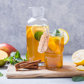 Kombucha may boost digestion, but it can really do a number on your teeth.